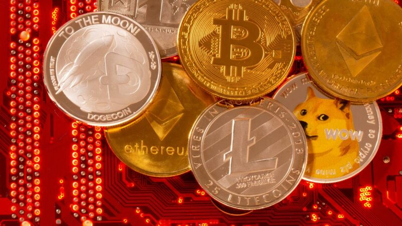 Powell says a Fed digital currency could undercut need for cryptocurrencies