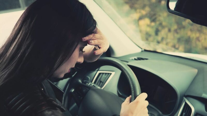 Woman 'crying in car park' shares heartwarming note dad and teenage daughter left her
